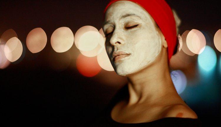 Otklonite umor i podočnjake: Napravite domaću masku za lice (recept)