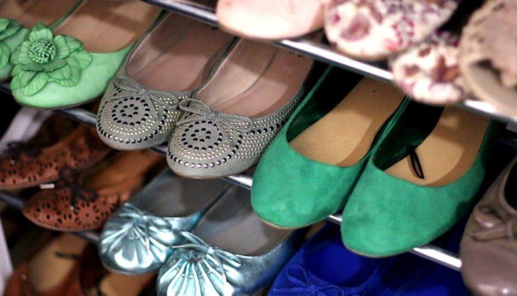 Trikovi kojima ćete se zauvek rešiti neprijatnih mirisa iz obuće