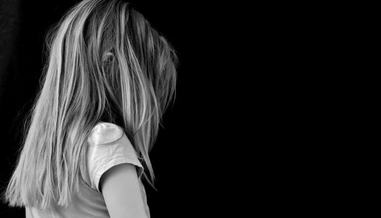 Samoubistva javnih ličnosti – opasni okidač za rizične grupe