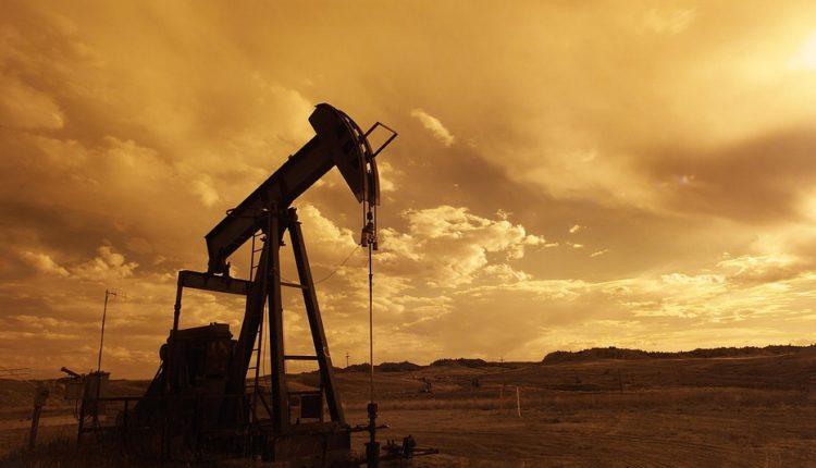 Cena nafte i dalje snažno raste, svi strahuju od sankcija Iranu