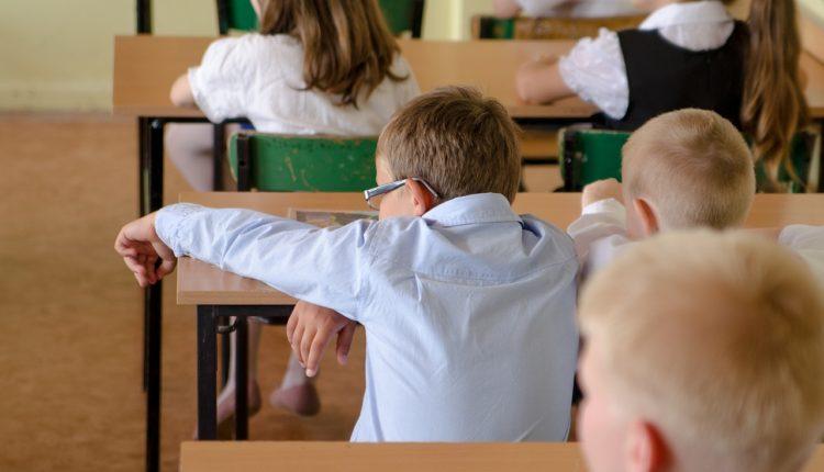Ovaj srpski grad zabranjuje navijačke simbole u školama