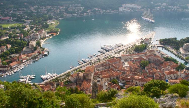 Mora li Crna Gora kaznama da brani himnu?