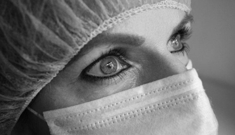 Medicinska sestra pokrala pacijenta na samrti