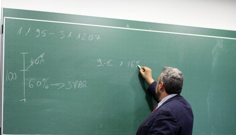 Prosvetari dobijaju 14% veće plate, niko ispod 57.000 dinara