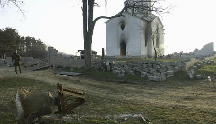 U pravoslavni hram u Crnoj Gori ne mogu Srbi, a mogu Albanci?
