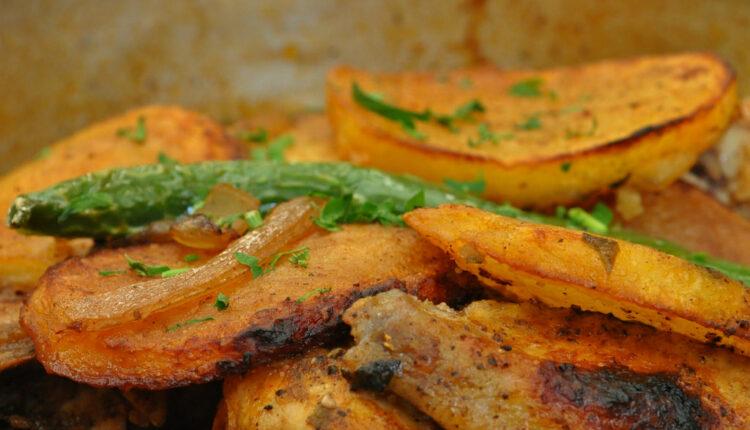 Ukusniji niste jeli: Zapečeni krompir sa kačkavaljem