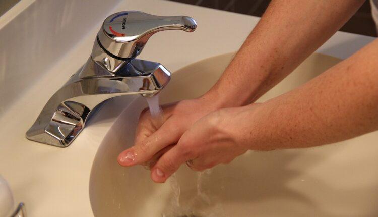 Italijani najgori, Bosanci najbolji: Koliko peremo ruke nakon korišćenja WC-a (foto)
