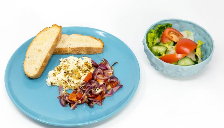 Izvanredan ručak: Piletina sa tikvicama u kremastom sosu