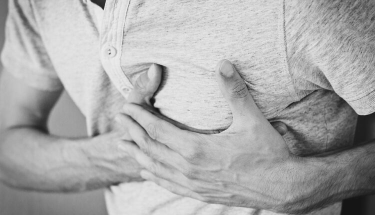 Šest znakova koji najavljuju srčani udar (foto)