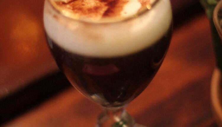 Niko joj nije odoleo: Irska kafa – postaće vaša omiljena kafa