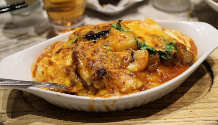 Odličan izbor za ručak: Zapečena piletina sa parmezanom i belim lukom