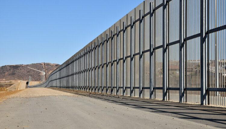 Tramp pobedio Kongres, odobrili mu milijardu za izgradnju zida