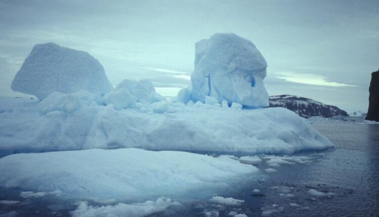 Naučnici sve zabrinutiji: Dve nove sante leda odvojile se od glečera na jugu planete