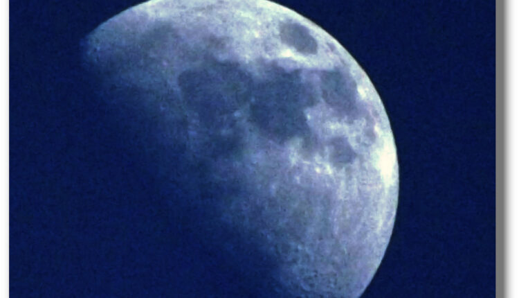 """Neverovatno otkriće: Na Mesecu otkrili vodu koja """"odskače"""""""