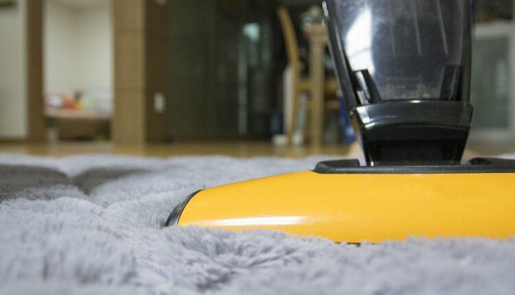 Usisavanje ili brisanje prašine – šta prvo uraditi kada čistite kuću?