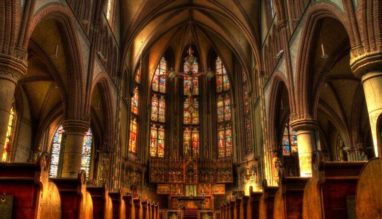 Profesor fakulteta osumnjičen za pokušaj paljenja katedrale