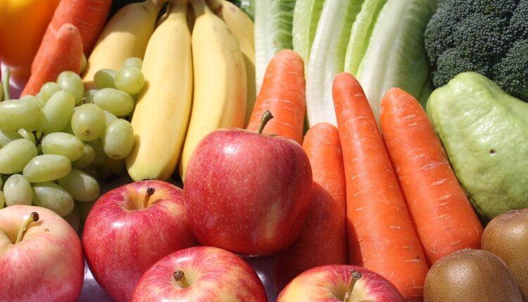 Korona može živeti na površini voća i povrća, ovo morate da uradite pre konzumacije