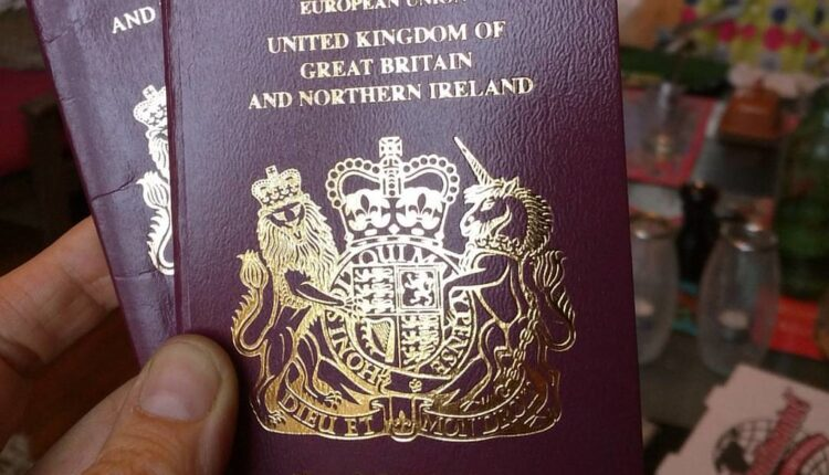 Majkl Gov nudi tri miliona besplatnih britanskih pasoša državljanima EU