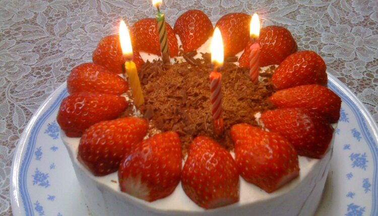 Lepša od sladoleda: Bakina voćna torta sa jagodama