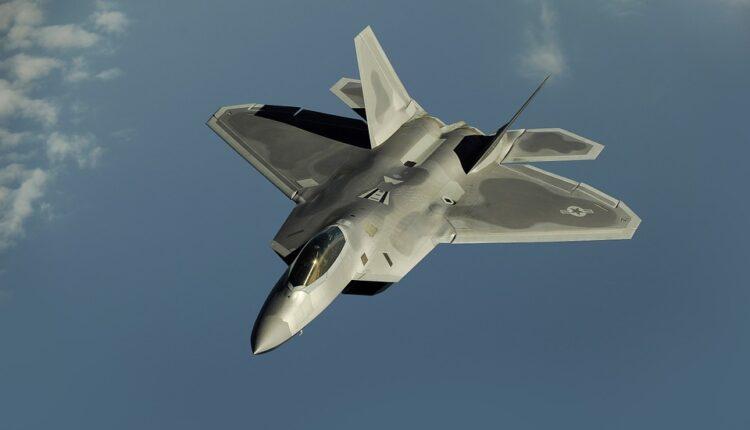 Američki lovci pratili ruske bombardere tokom preleta