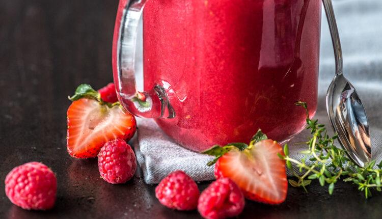 Napravite sami: Domaći liker od jagoda