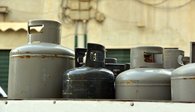 Eksplodirala plinska boca u kolima, povređeno troje dece i četvoro odraslih