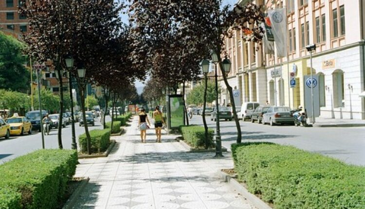 Albanska televizija na meti kritika zbog spotova poznate srpske pevačice