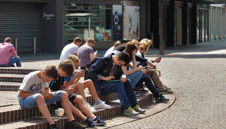 Naučnici produžili period adolescencije: Evo do koje godine smo tinejdžeri
