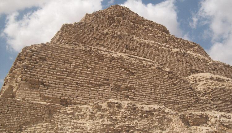 """Pun je misterija: Egipatski """"grad mrtvih"""" krije mumije koje nisu ljudske"""