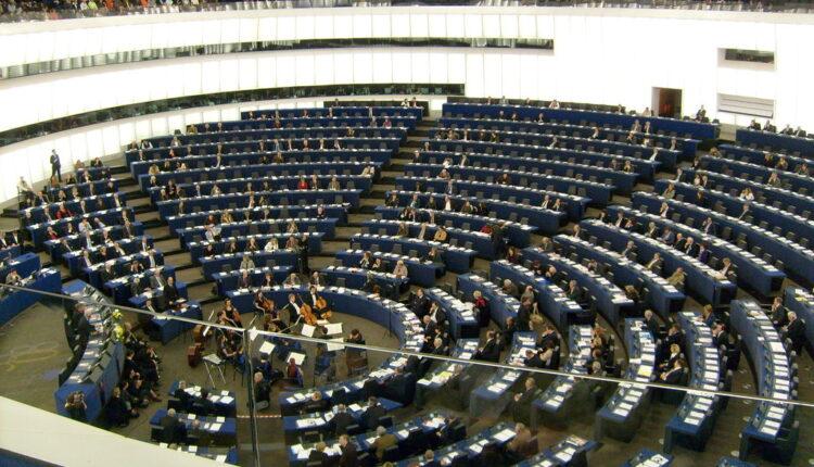 EP upozorava: Opasna ruska propaganda glavni izvor dezinformacija u Evropi