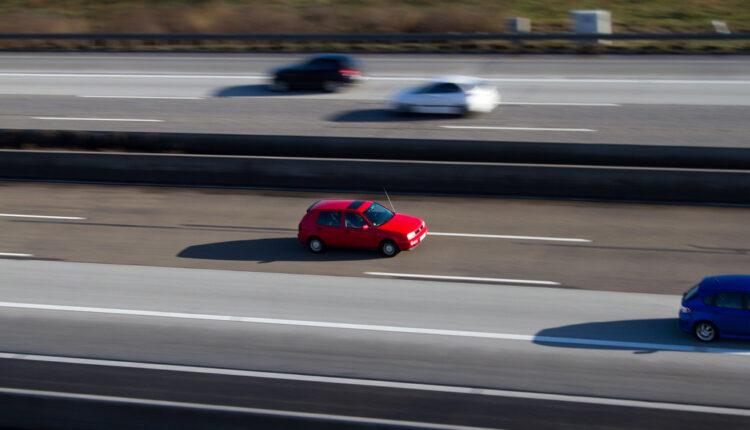 Ko vozi najstarije automobile u Srbiji: Čak 6 gradova na crnoj listi