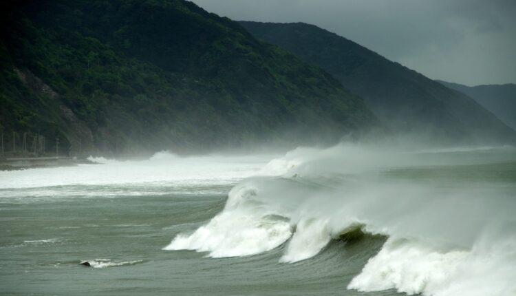 Japan pred katastrofom, preti najjači tajfun ikada