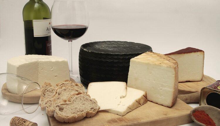 Amerika se sveti: Uskoro carine na škotski viski, italijanski sir i francuska vina