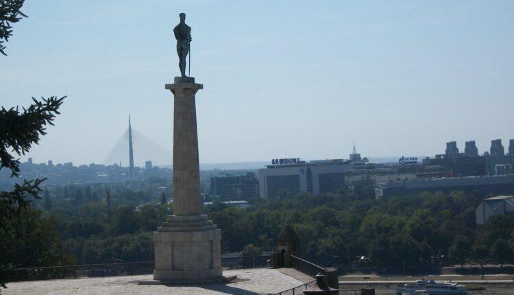 Amerikanac stiže u Beograd – da preti sankcijama?