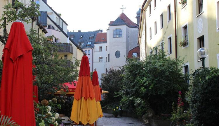 Drama na predavanju: Ubijen sin bivšeg predsednika Nemačke Vajczekera, izboden nožem