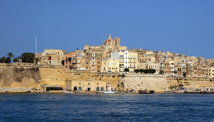Kako žive i šta sve rade mladi Srbi na Malti?
