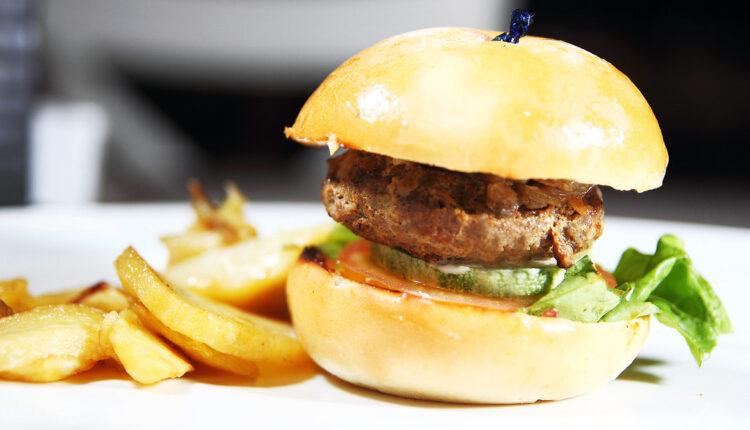 Ukusniji od kupovnih: Domaći američki burgeri