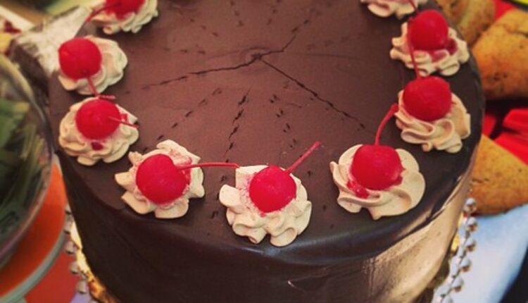 Vreme je za novogodišnju tortu!