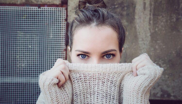 Naučnici objasnili zašto je ženama uvek hladnije nego muškarcima