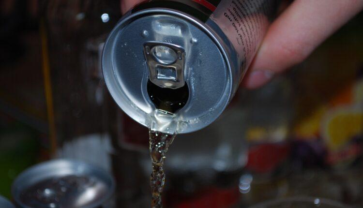 Izuzetno štetna: ova pića treba ZABRANITI deci!