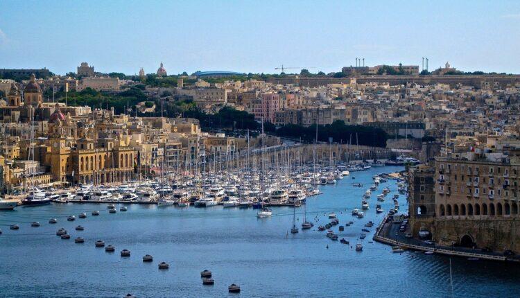 Reagovalo Ministarstvo: Molba Malti da odloži proterivanje dece