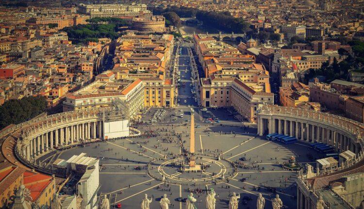 Vatikan oprašta grehe svim obolelima od koronavirusa uz jedan uslov