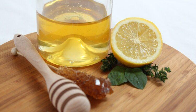 Čaša puna zdravlja: Evo zašto treba piti limunadu s medom svaki dan