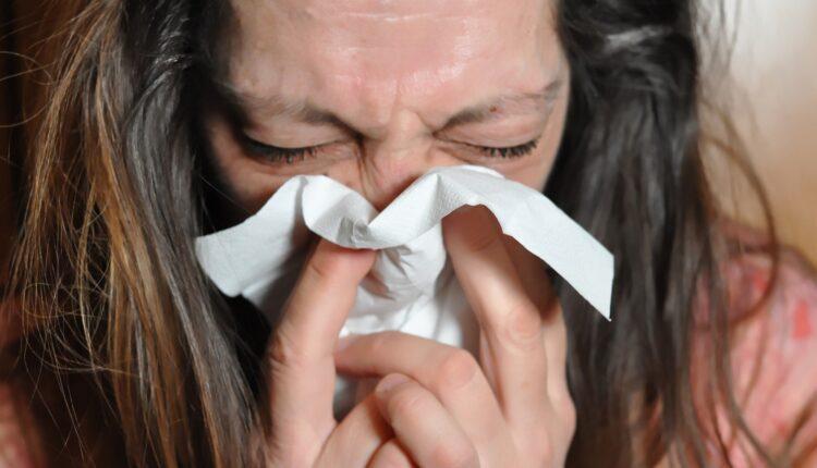 Ruski doktor objašnjava kako razlikovati koronu od gripa
