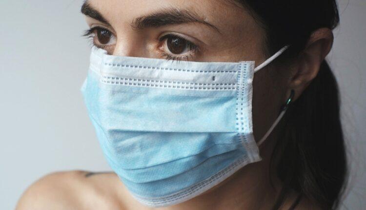 """Globalna otimačina maski: Očaj pretvorio svetsko tržište u """"Divlji zapad"""""""