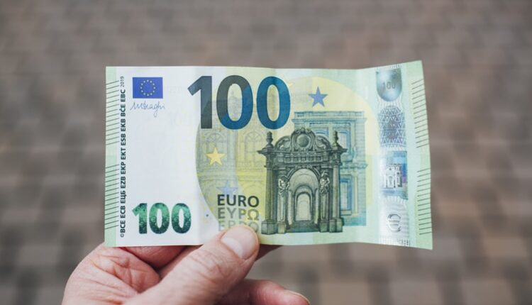Prijava za 100 evra od države počinje 15. maja, a evo kada stiže novac