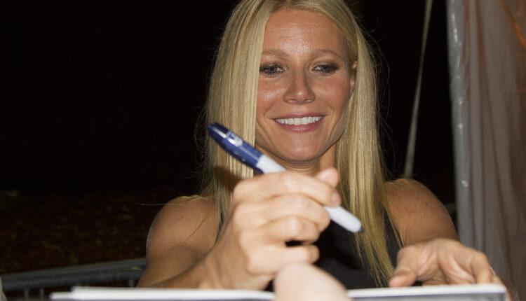 Slavna glumica pomaže u pronalaženju vakcine – donira haljinu!