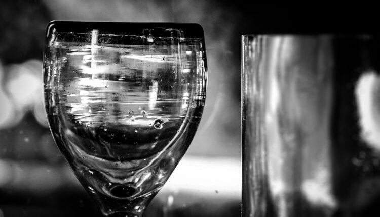 Pijte je što više: Ona je VAŽNA u borbi protiv korone