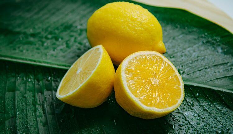 Ljudi su masovno počeli da zamrzavaju limun – evo i zašto