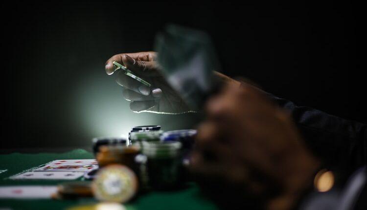 Kobna partija pokera: Zarazilo se osmoro, troje nije preživelo